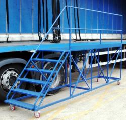 Side Access Trailer Steps – 3m Platform