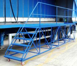 Side Access Trailer Steps – 5m Platform