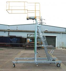 Tanker Access Adjustable Height Ladder - Outrigger